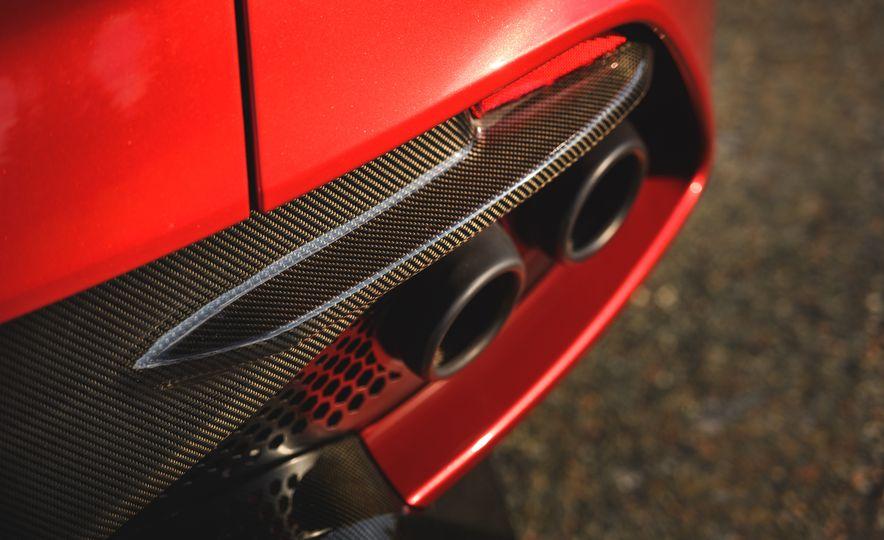 2019 Aston Martin DBS Superleggera - Slide 36