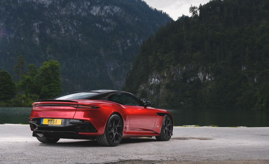 2019 Aston Martin DBS Superleggera - Slide 40