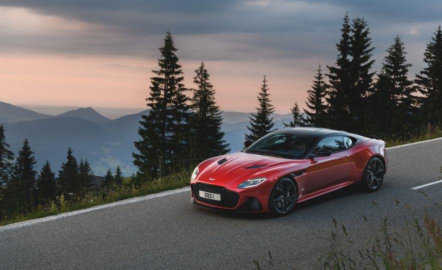 2019 Aston Martin DBS Superleggera - Slide 42
