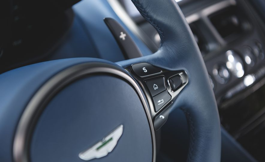 2019 Aston Martin DBS Superleggera - Slide 49