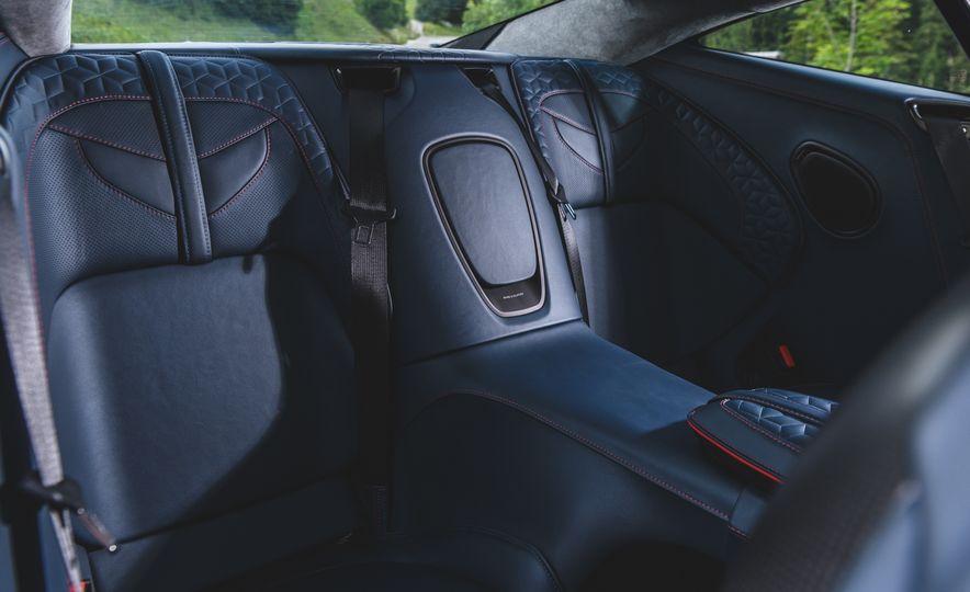 2019 Aston Martin DBS Superleggera - Slide 60