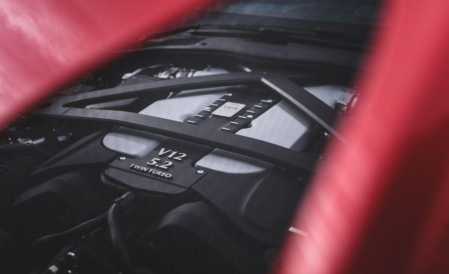 2019 Aston Martin DBS Superleggera - Slide 70