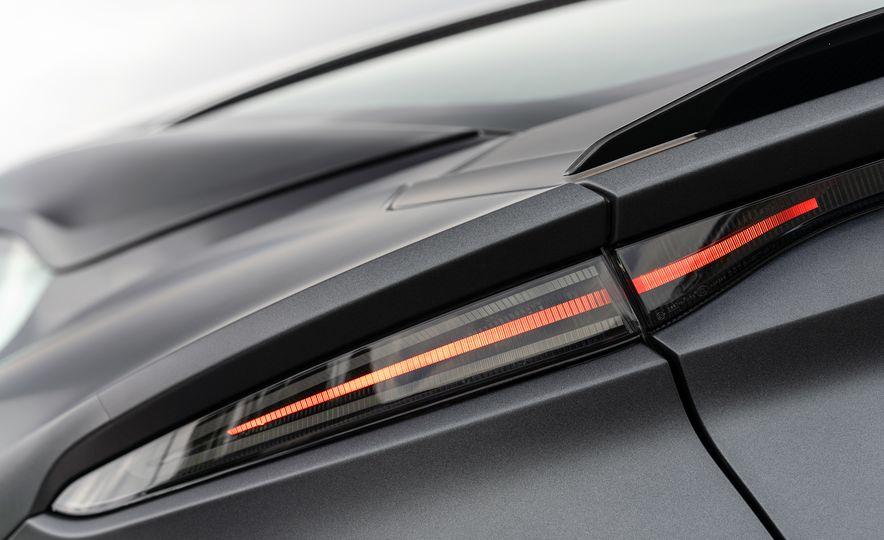 2019 Aston Martin DBS Superleggera - Slide 85