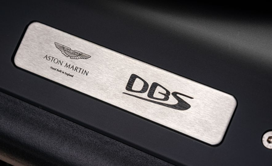 2019 Aston Martin DBS Superleggera - Slide 95