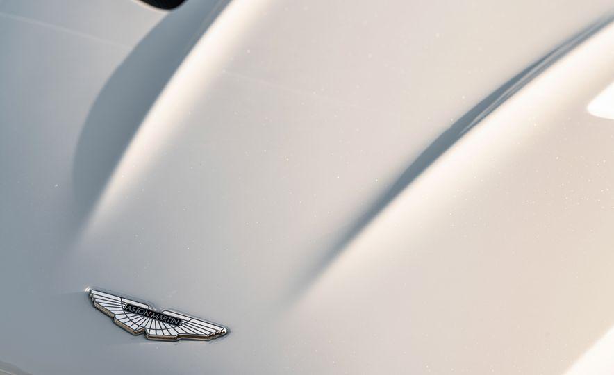 2019 Aston Martin DBS Superleggera - Slide 118
