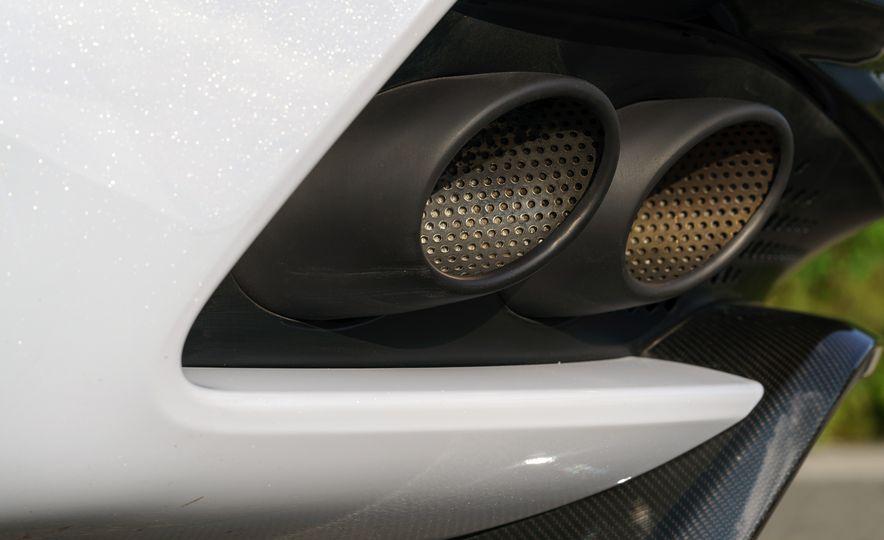 2019 Aston Martin DBS Superleggera - Slide 127