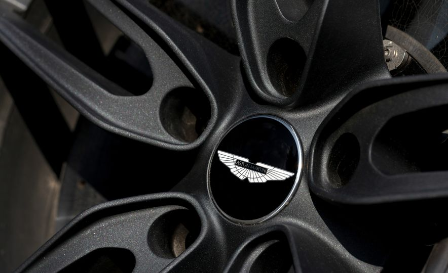 2019 Aston Martin DBS Superleggera - Slide 133