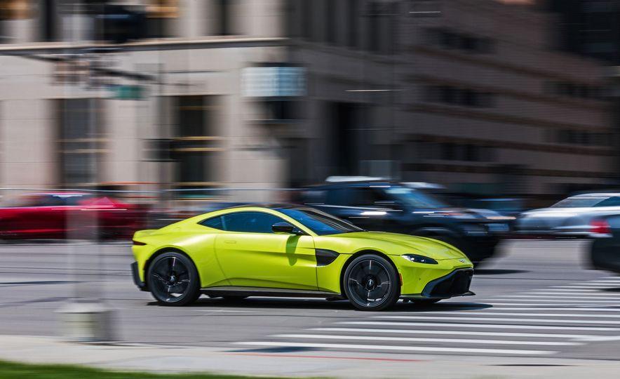 2019 Aston Martin Vantage - Slide 1