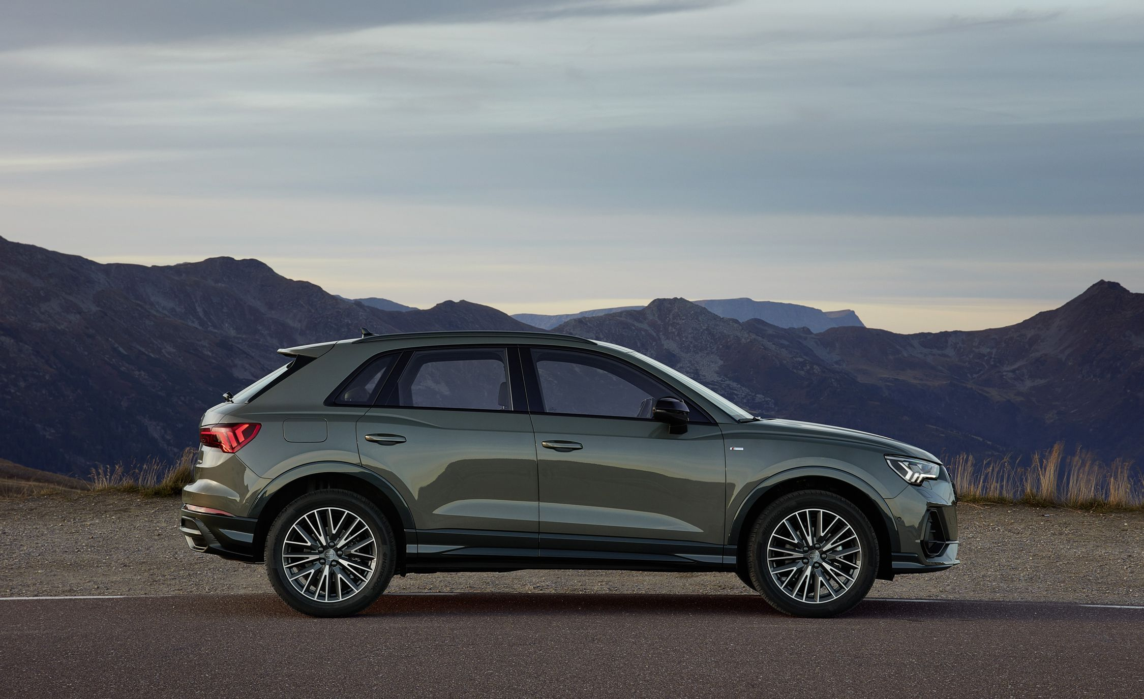 Audi Suv Q3 >> 2019 Audi Q3 Suv Is Larger And Vastly Improved