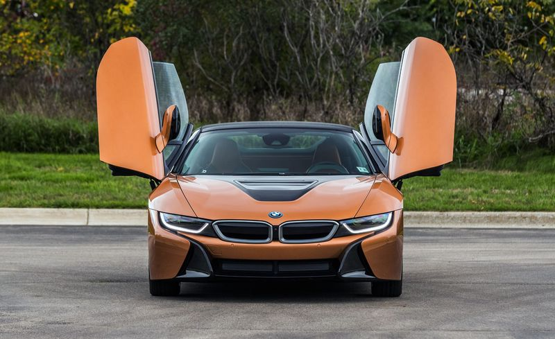 2019 Bmw I8 Roadster The High Tech Showpiece Is Now Showier