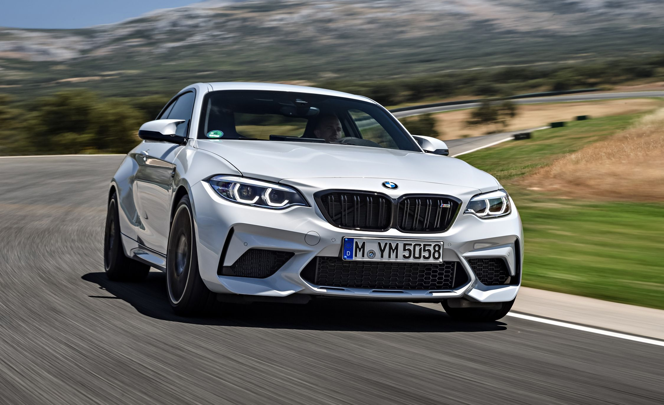 2019 BMW M2 Competition - Slide 2