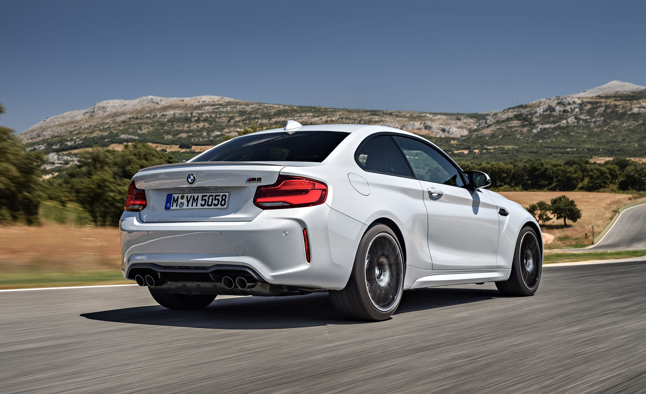 2019 BMW M2 Competition - Slide 4