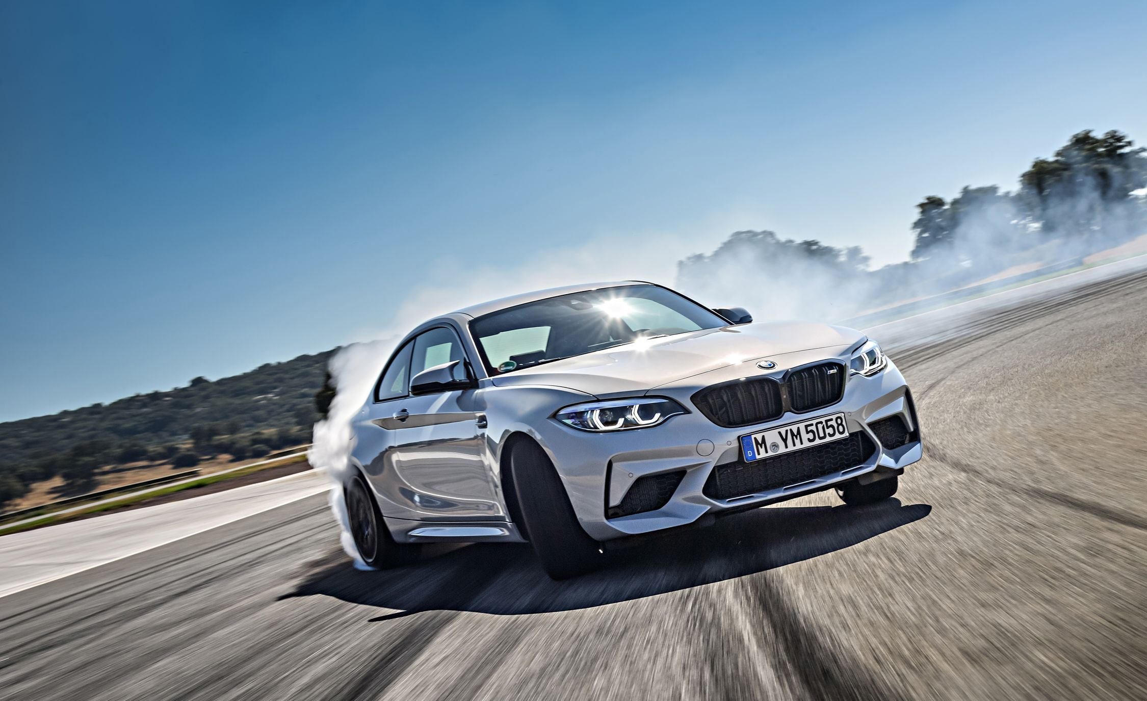 2019 BMW M2 Competition - Slide 9