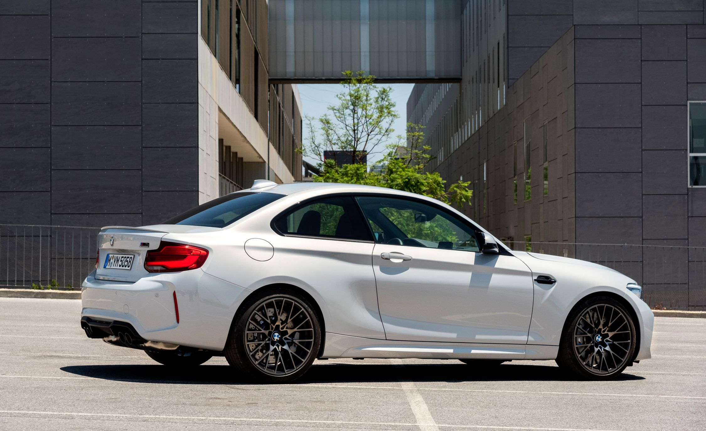 2019 BMW M2 Competition - Slide 32