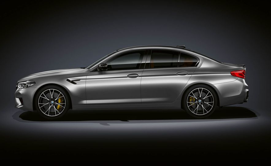2019 BMW M5 Competition - Slide 24