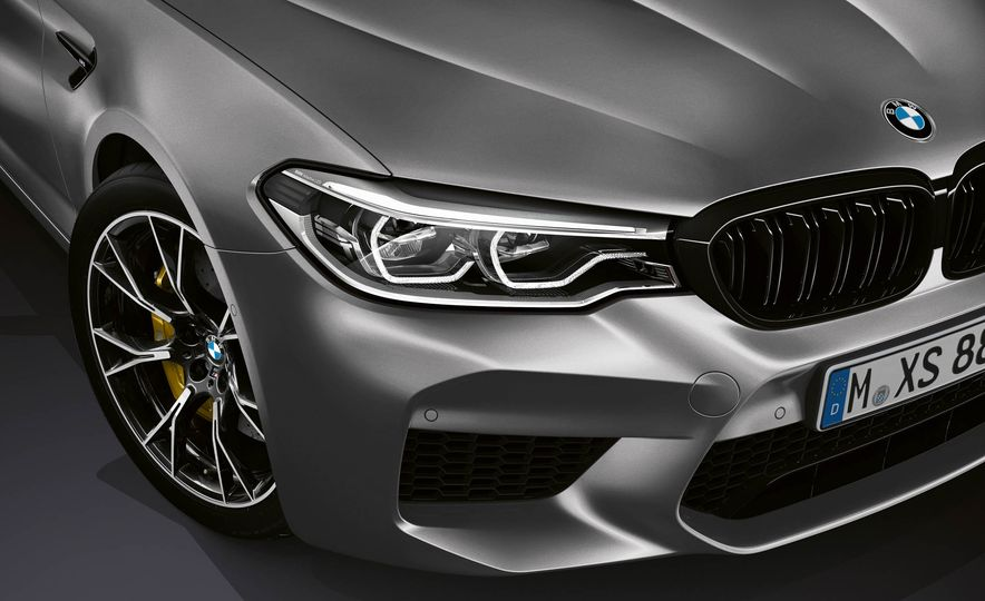 2019 BMW M5 Competition - Slide 30