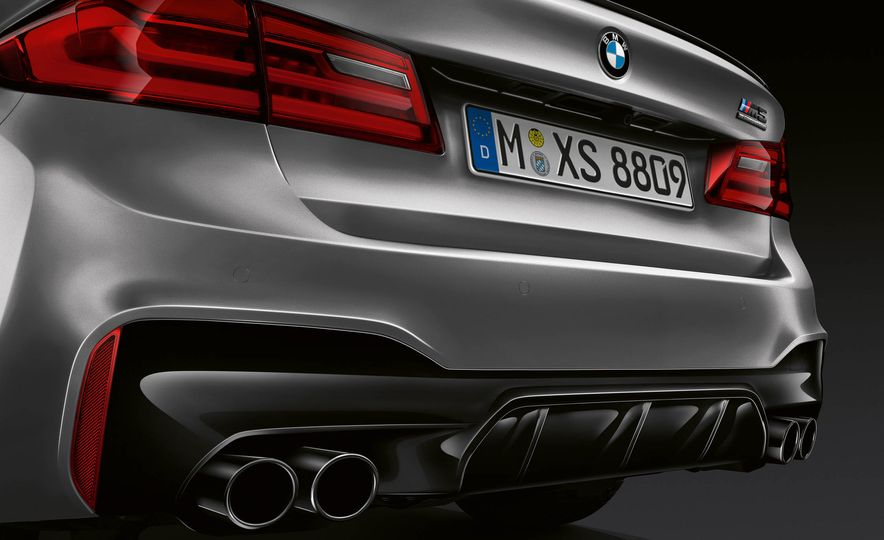 2019 BMW M5 Competition - Slide 32