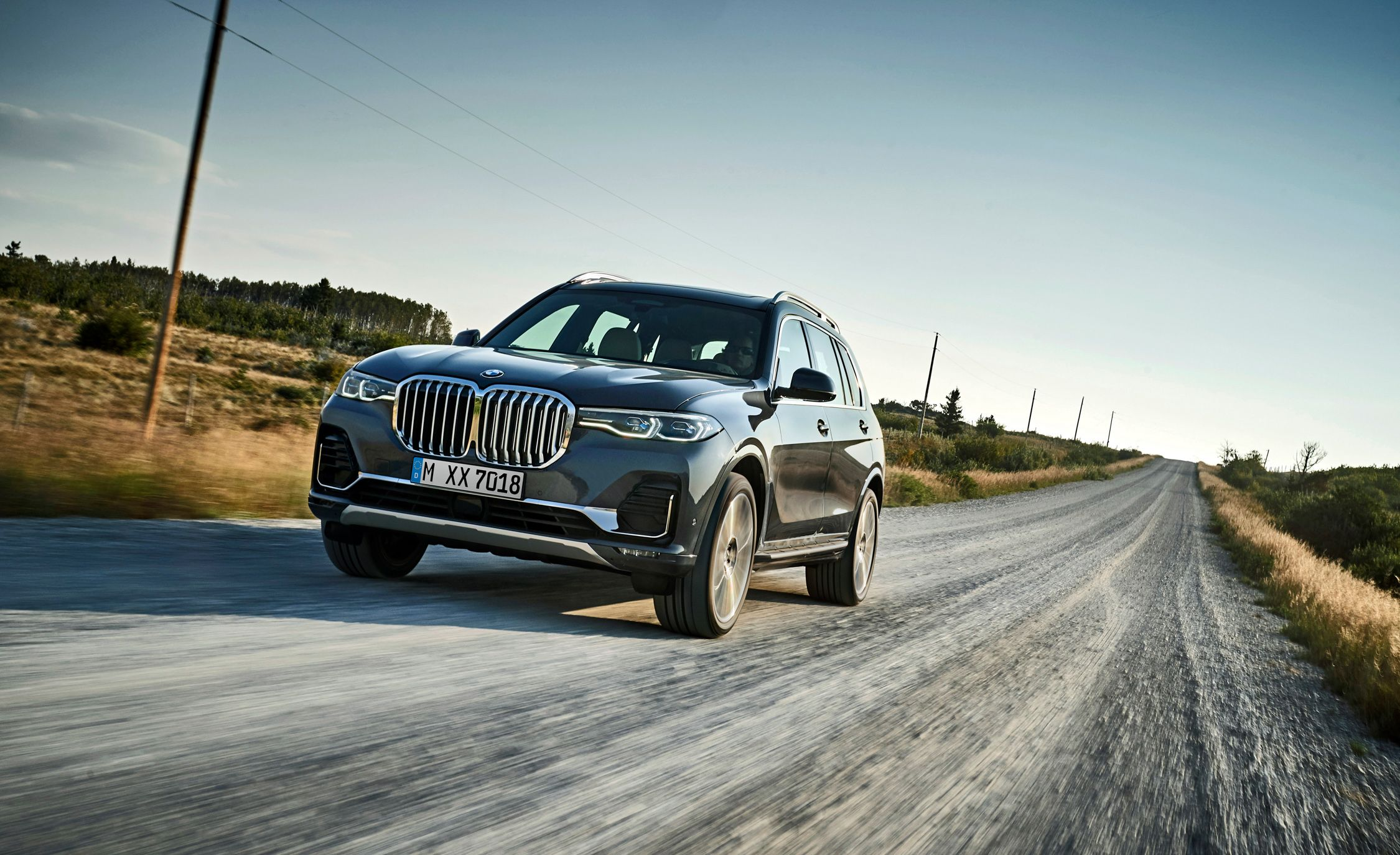 2019 Bmw X7 Reviews Bmw X7 Price Photos And Specs Car And Driver