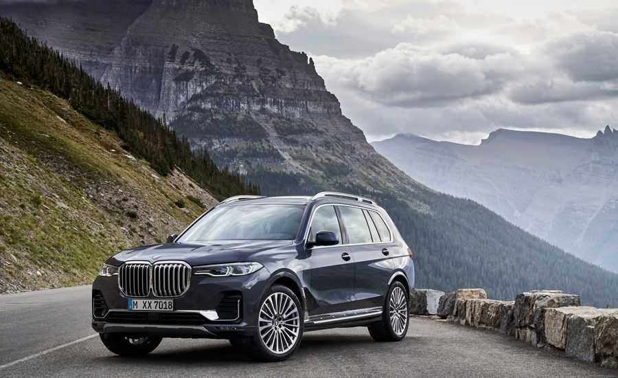 Here's How the New 2019 BMW X7 Measures Up against the Competition