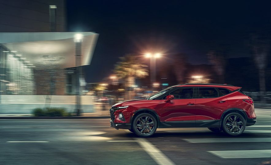 2019 Chevrolet Blazer - Slide 2