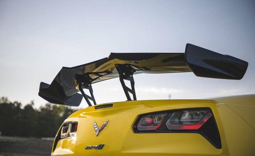 The Speed Secrets of the 755-HP 2019 Chevrolet Corvette ZR1 - Slide 6