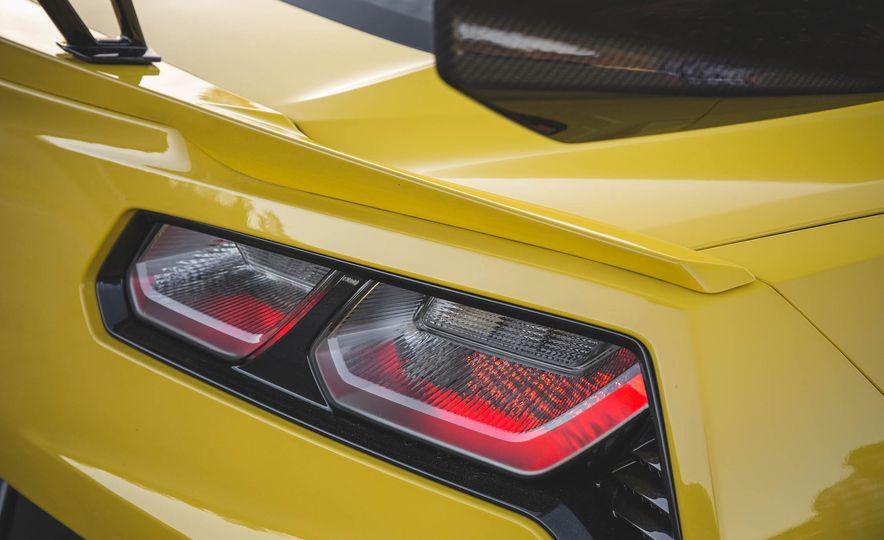 The Speed Secrets of the 755-HP 2019 Chevrolet Corvette ZR1 - Slide 7
