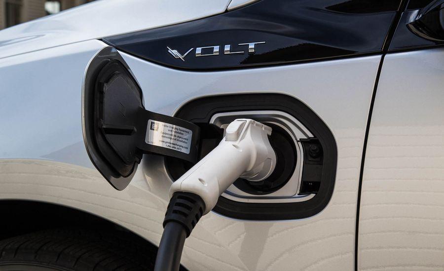 2019 Chevrolet Volt Slashes Recharging Time by Half