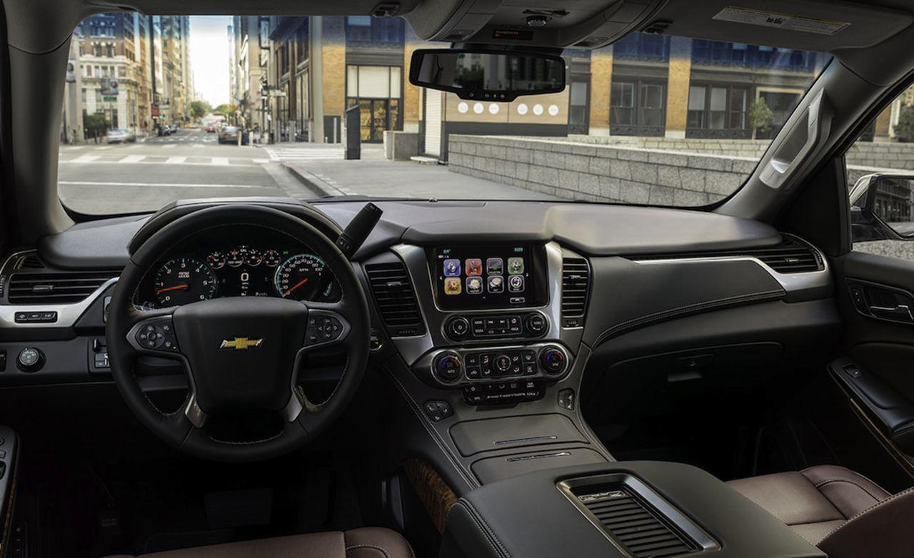 2019 Chevrolet Suburban Premier Plus - Slide 7