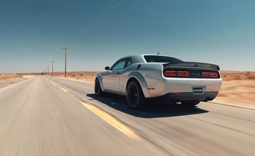 2019 Dodge Challenger SRT Hellcat Redeye Widebody and 2019 Dodge Challenger SRT Hellcat Widebody - Slide 3
