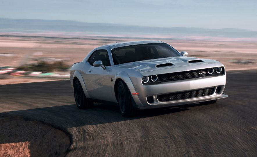 2019 Dodge Challenger SRT Hellcat Redeye Widebody and 2019 Dodge Challenger SRT Hellcat Widebody - Slide 4
