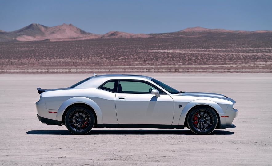 2019 Dodge Challenger SRT Hellcat Redeye Widebody and 2019 Dodge Challenger SRT Hellcat Widebody - Slide 8
