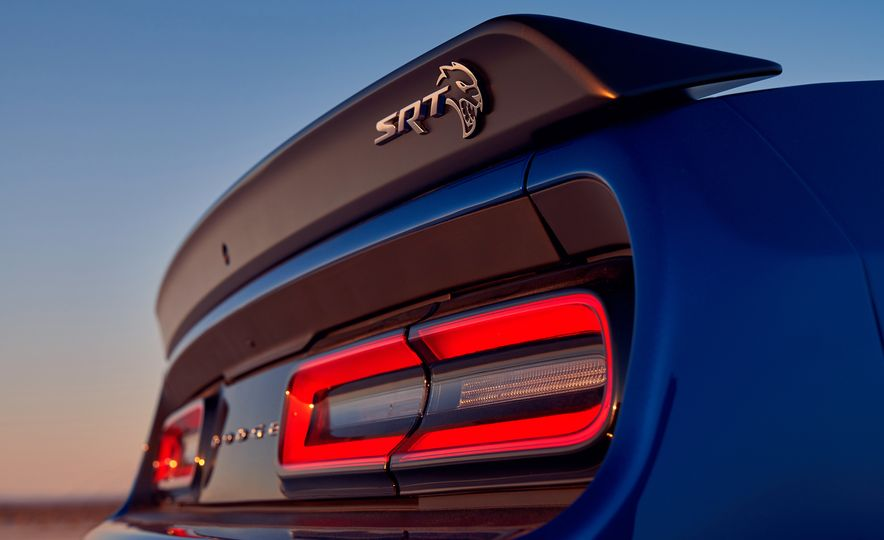 2019 Dodge Challenger SRT Hellcat Redeye Widebody and 2019 Dodge Challenger SRT Hellcat Widebody - Slide 31