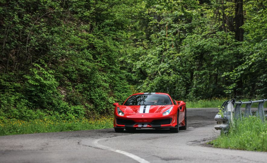 2019 Ferrari 488 Pista - Slide 1
