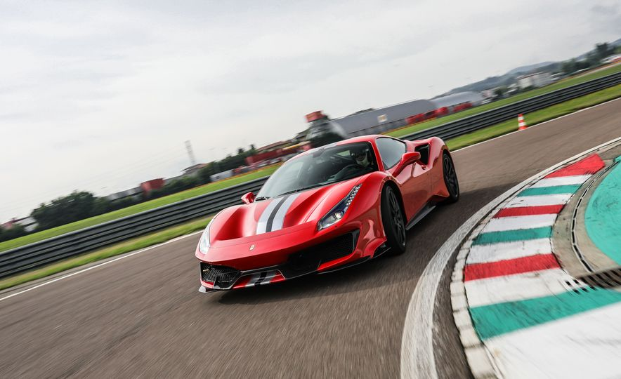 2019 Ferrari 488 Pista - Slide 8