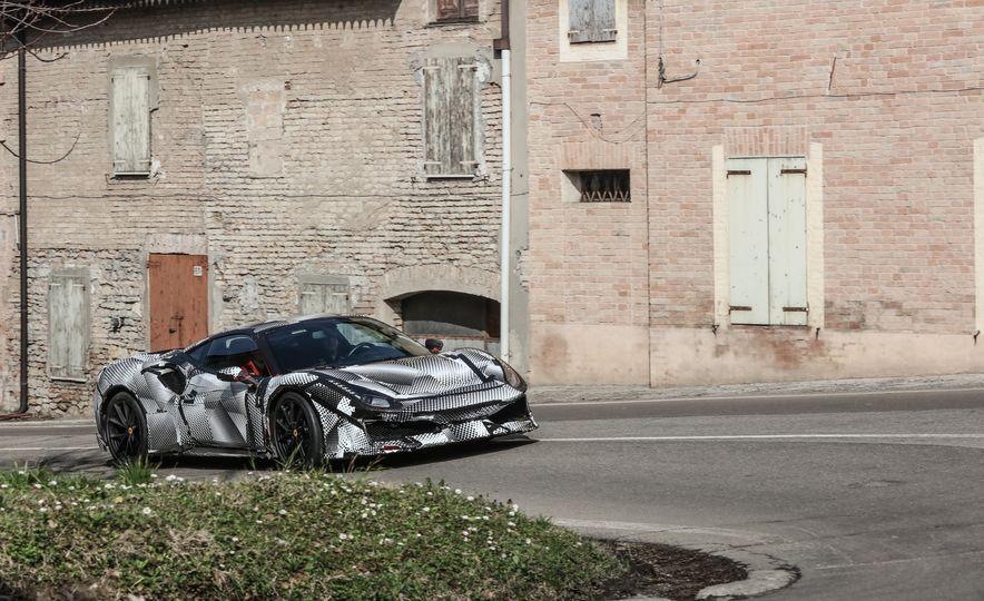 2019 Ferrari 488 Pista - Slide 28