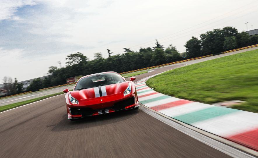 2019 Ferrari 488 Pista - Slide 13