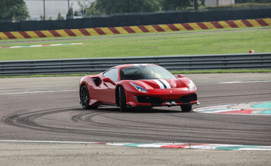2019 Ferrari 488 Pista - Slide 17
