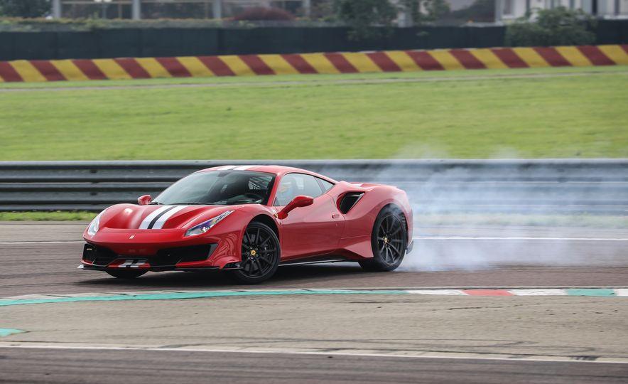 2019 Ferrari 488 Pista - Slide 18