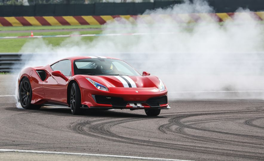 2019 Ferrari 488 Pista - Slide 19