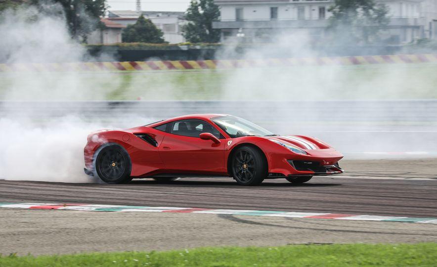 2019 Ferrari 488 Pista - Slide 21