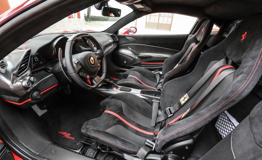 2019 Ferrari 488 Pista - Slide 37