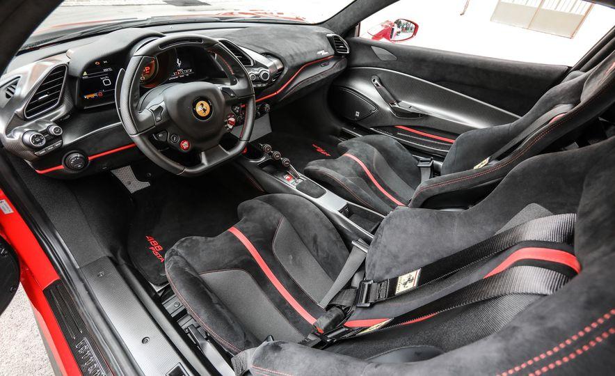 2019 Ferrari 488 Pista - Slide 38
