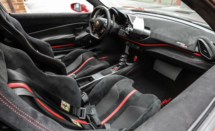 2019 Ferrari 488 Pista - Slide 39