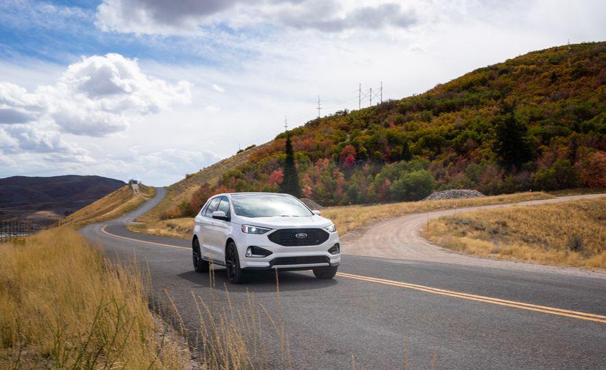 2019 Ford Edge ST - Slide 1