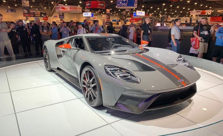 The 2019 Ford GT Carbon Series Is Lighter and More Carbon-y