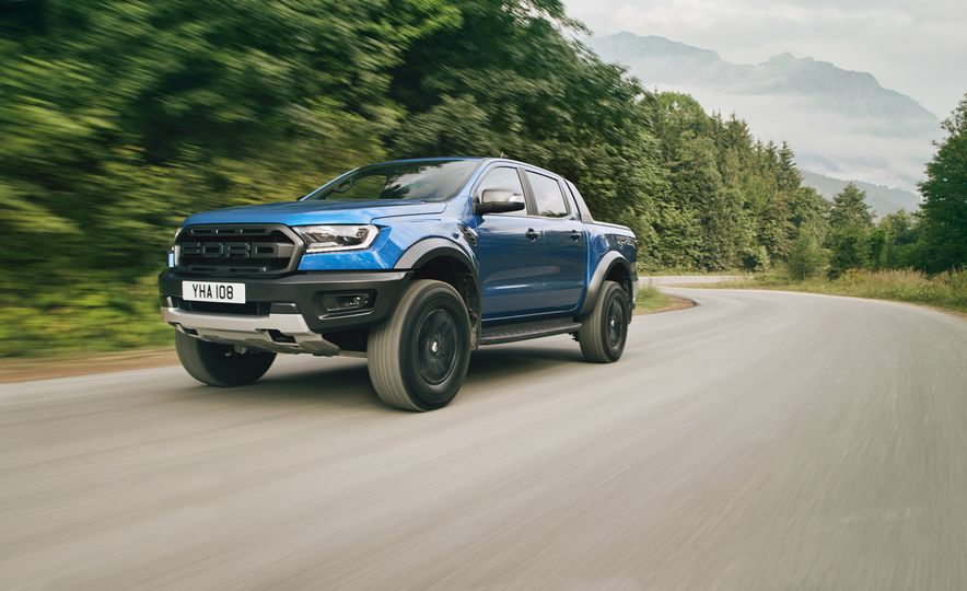 2019 Ford Ranger Raptor - Slide 1