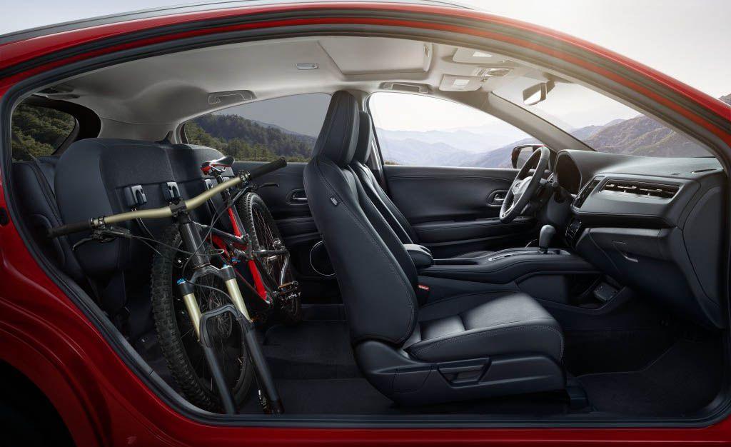 2019 Honda HR-V Reviews | Honda HR-V Price, Photos, and Specs | Car and Driver