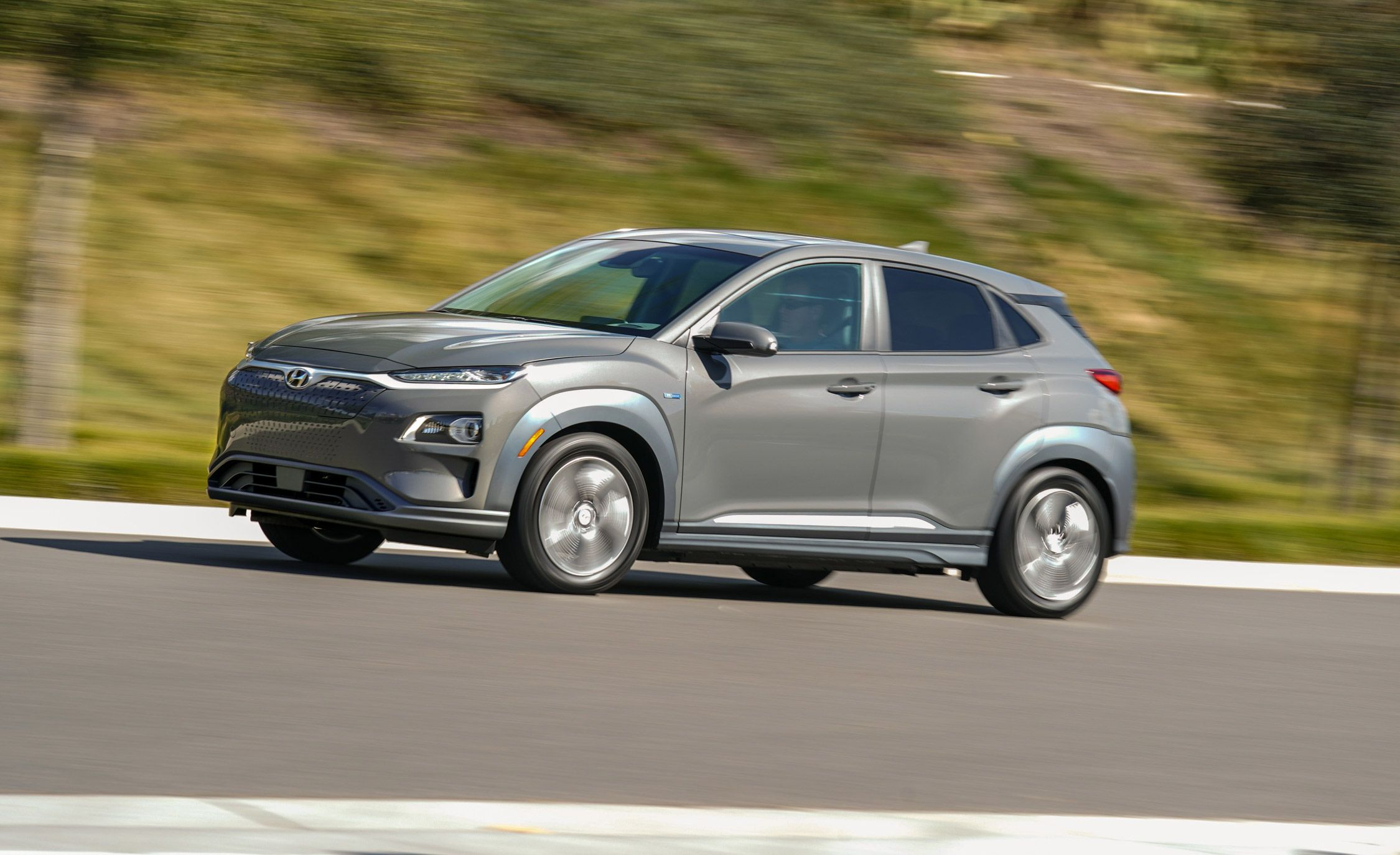 2019 Hyundai Kona Electric Reviews Price Photos And Specs Car Driver