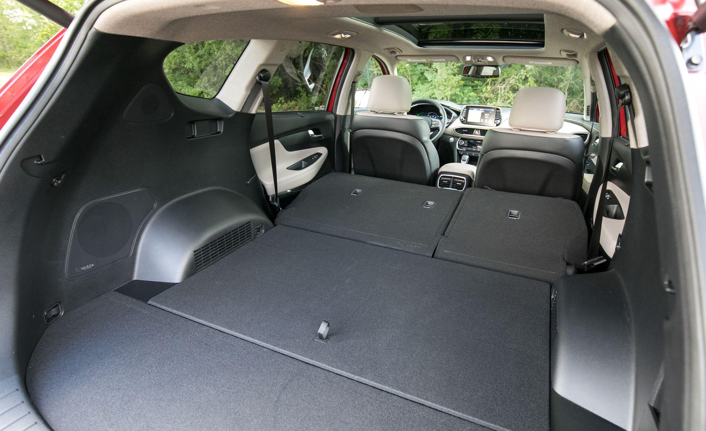 Hyundai Santa Fe Xl Reviews Price Photos And Specs Car Driver