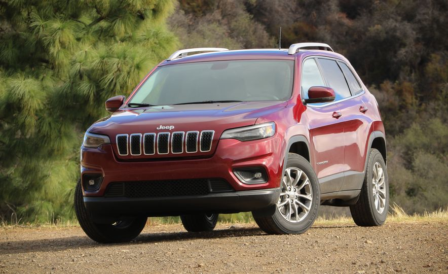 Practicality Matters: Every Compact Crossover SUV Ranked from Worst to Best - Slide 11